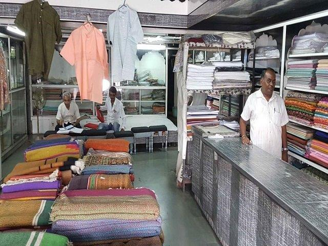 Govt taxes Khadi for first time since independence, traders seek relief